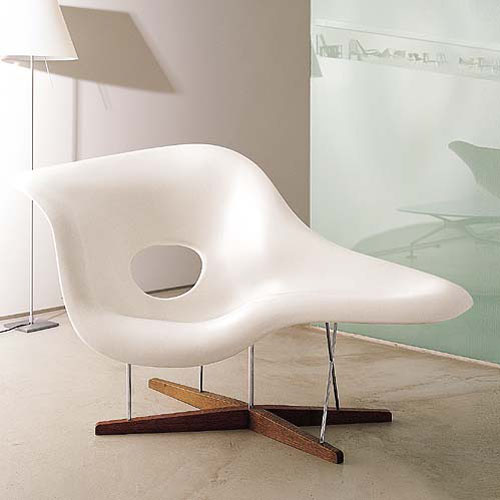 Eames la chaise for Reproduction chaise eames